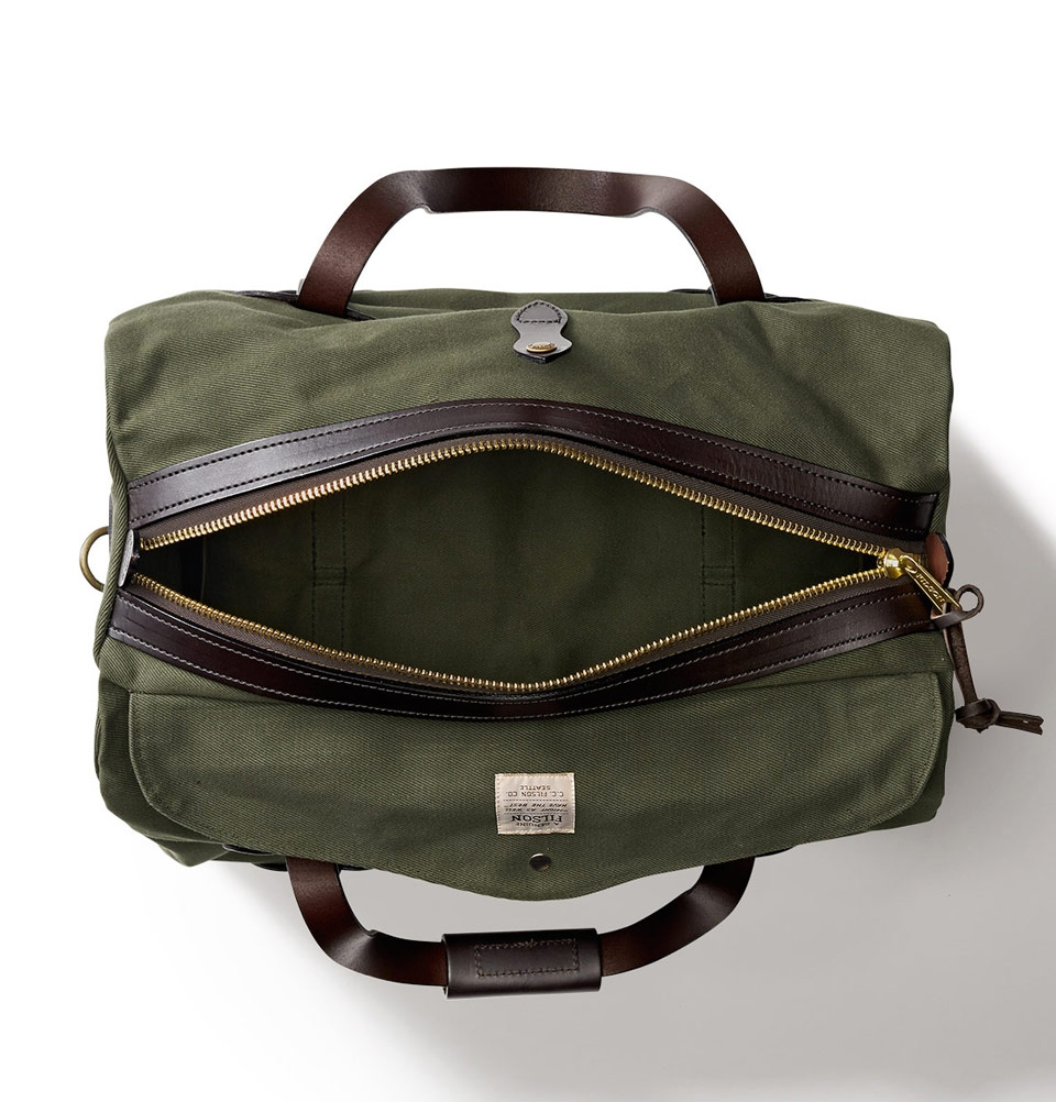 d144d3606eb Filson Duffle Small Otter Green   perfect bag with style and ...