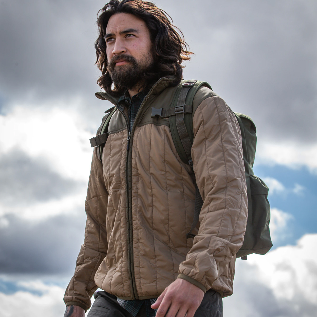 Filson Ultra Light Jacket Dark Tan, perfect as an outer layer or underneath a heavy jacket for warmth in extreme cold