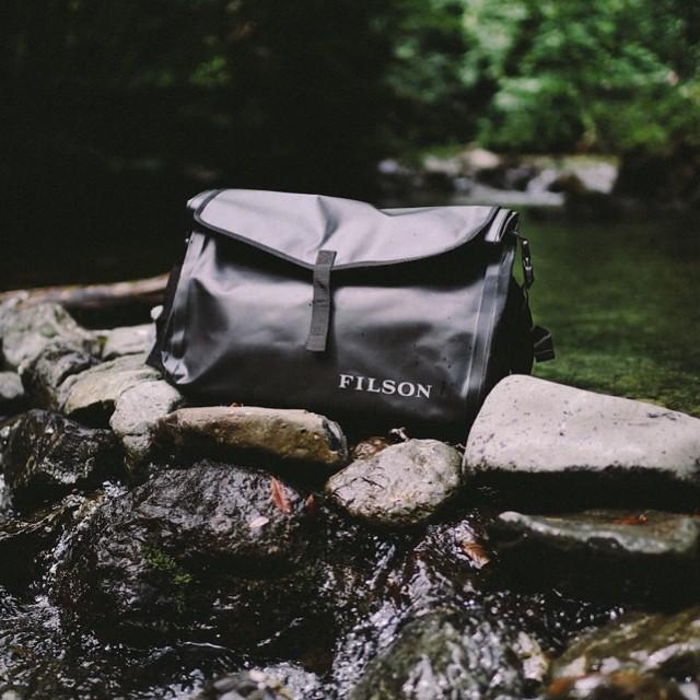 Filson Dry Messenger 70157 Black, All Terrain Dry Messenger Bag