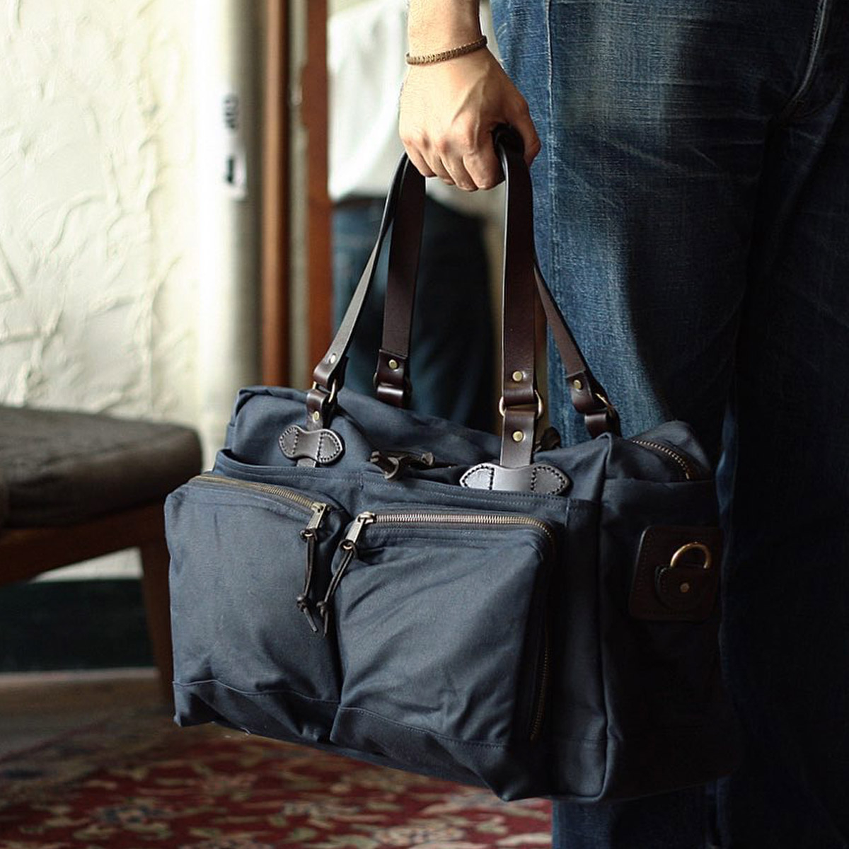 Filson 48-Hour Duffle 11070328 Navy, a well built and robust duffle with great pockets for a long weekend