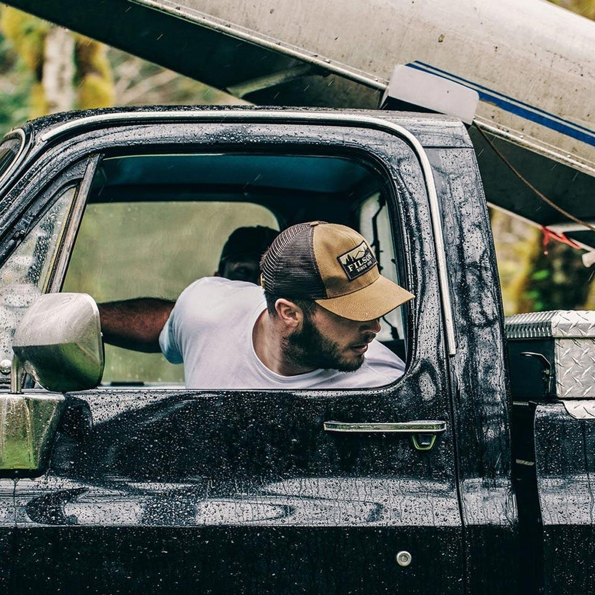 Filson Logger Mesh Cap 11030237-Dark Tan, durable cap made of iconic, water-repellent Tin Cloth