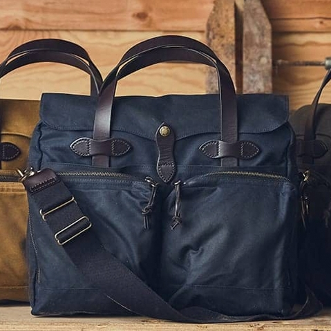 Filson 24-Hour Tin Briefcase Navy, perfect bag for a weekend away or a small business-trip