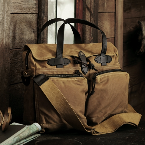 Filson 24-Hour Tin Briefcase Tan, perfect bag for a weekend away or a small business-trip
