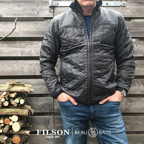 Filson Ultra Light Jacket Raven, perfect as an outer layer or underneath a heavy jacket for warmth in extreme cold