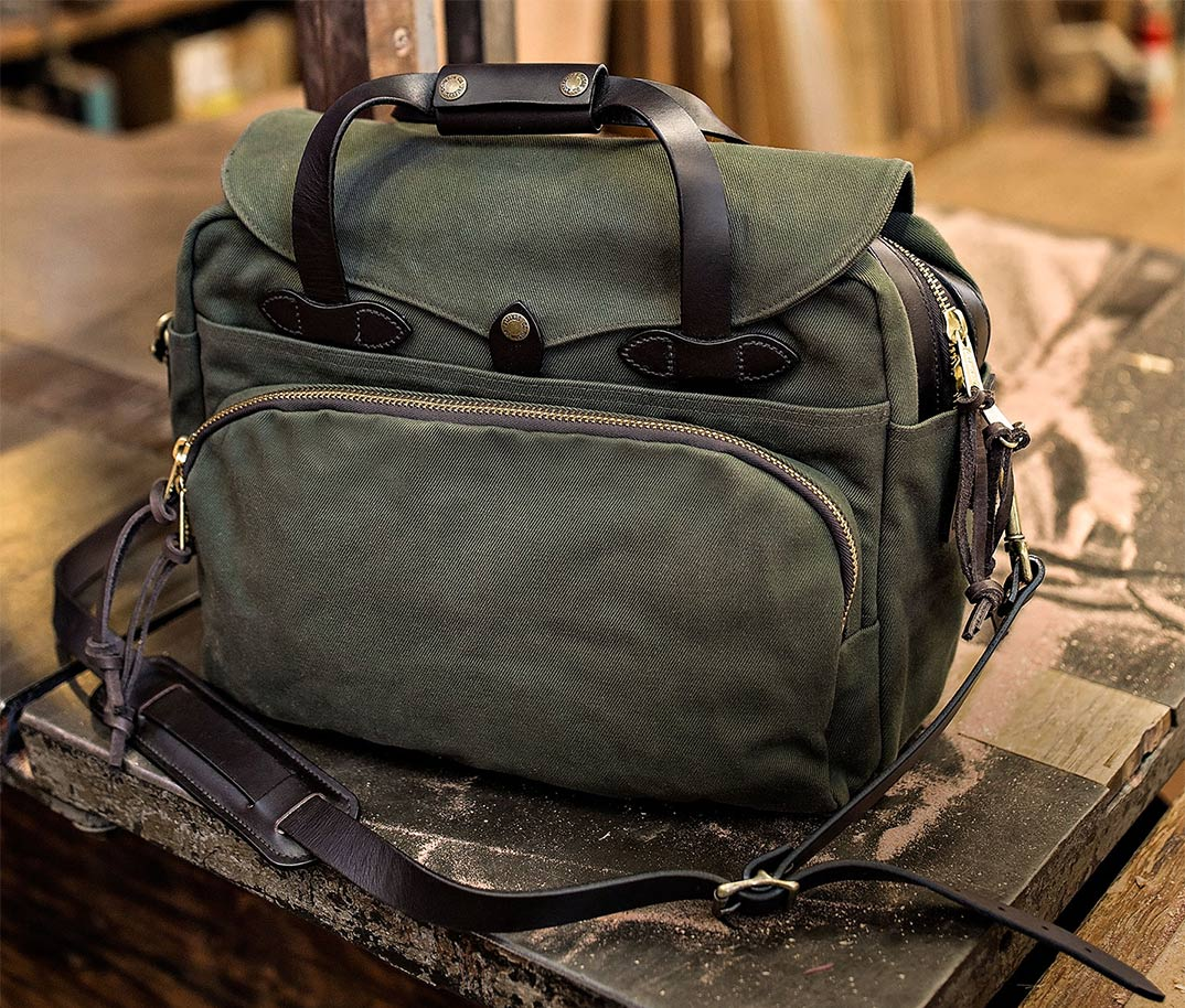 Filson Computer Bag 11070258-Otter Green, most durable bag for comfortably carry and protect 2-3 laptops