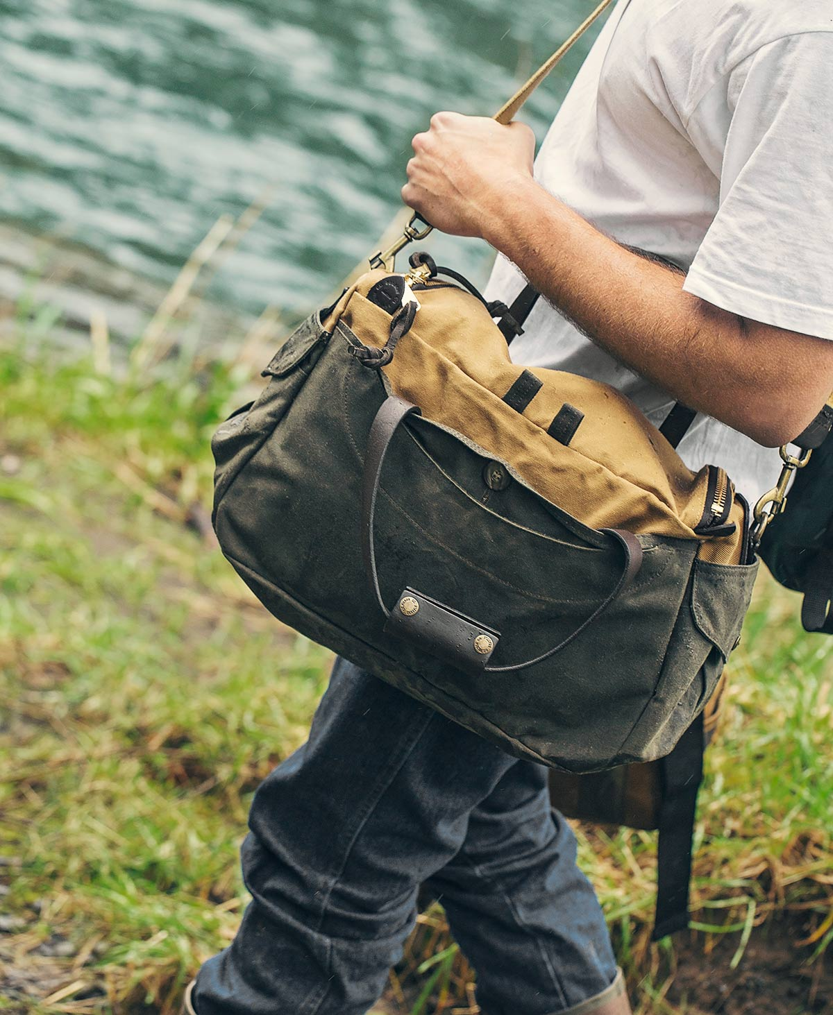 Filson Heritage Sportsman Bag   perfect bag with style and character ... de0eeca908