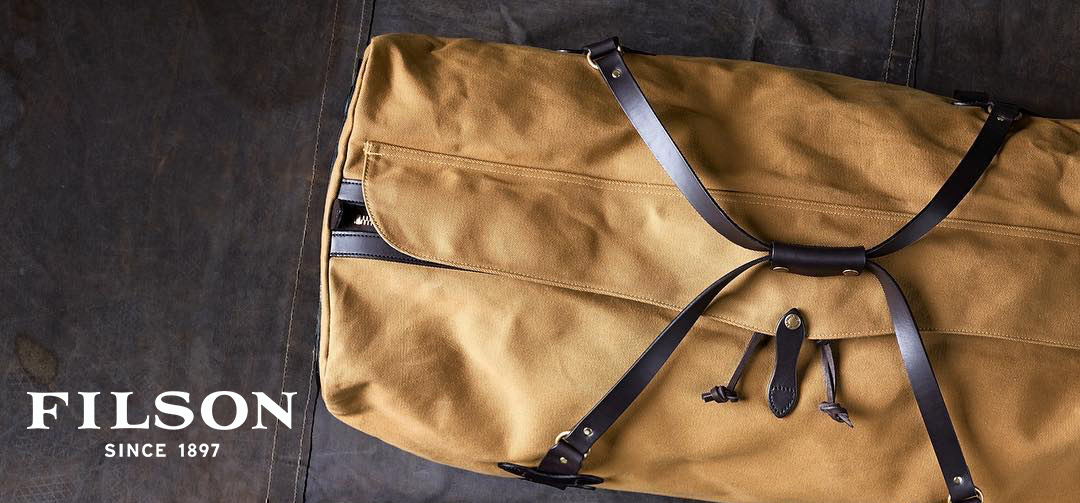 Filson Rolling Duffle Extra Large, super-capacity duffle bag ready for use when traveling anywhere
