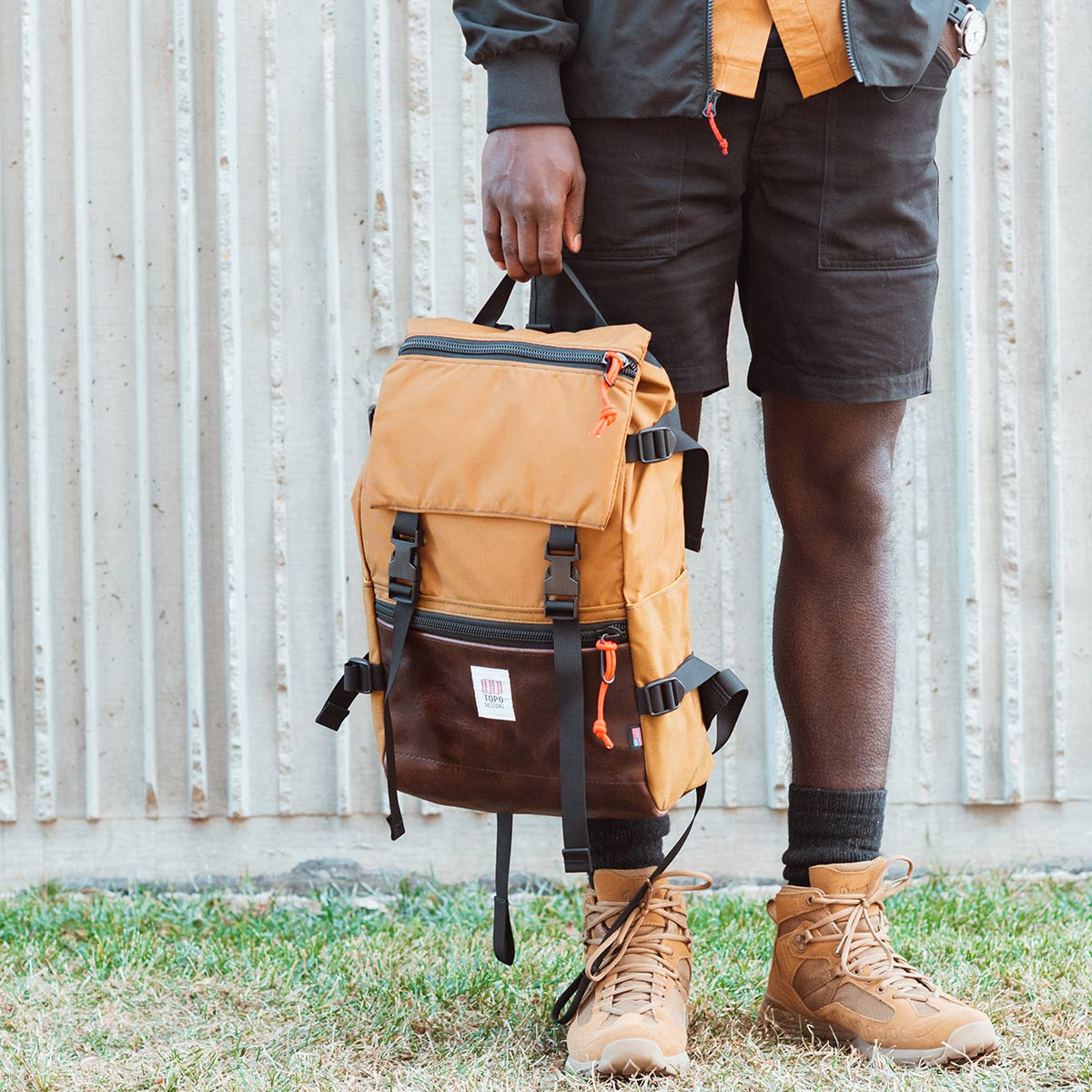 Topo Designs Rover Pack Heritage Duck Brown/Dark Brown Leather, durable, lightweight and water-resistant pack for daily use