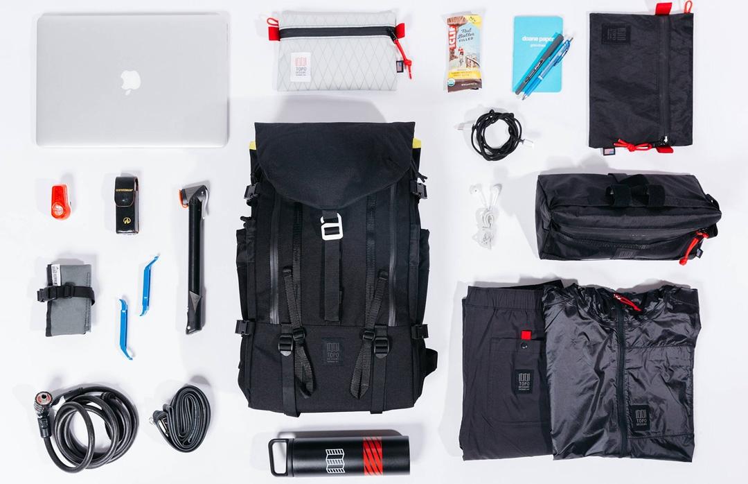 Topo Designs Mountain Pack Black lifestyle